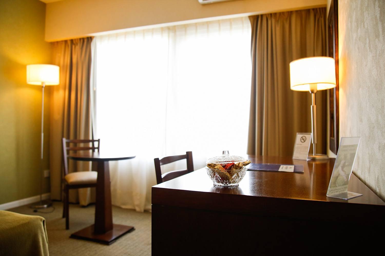 Escritorio Habitacion Hotel Howard Jhonson Trenque Lauquen